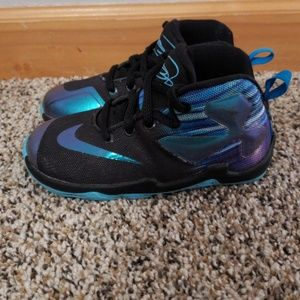3aeeaa95f92 Nike Shoes - Nike Lebron James XIII toddler size 8c